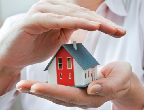 What Does Homeowners Insurance Cover?
